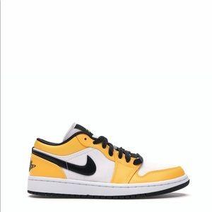 "🟡⚪️*NEW* Air Jordan 1 Low ""Laser Orange"" (W)"